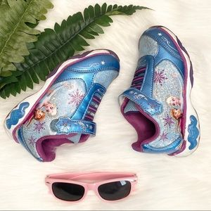 Other - Frozen Toddler light up sneakers. Size 9.5